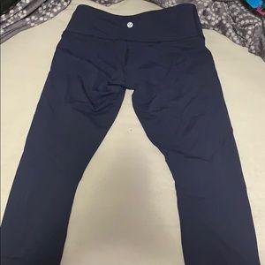 Size 6 cropped navy blue lululemon leggings